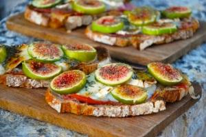 tartines-figues-chevre-jambon