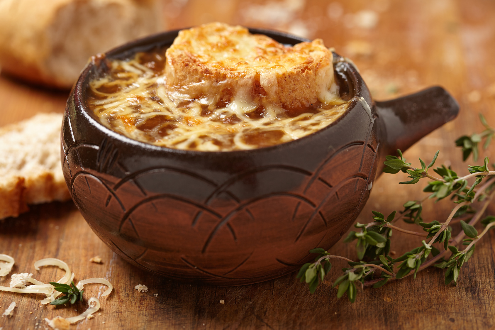 Onion soup with gratin for Article on french cuisine