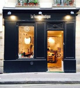 La-Fausse-Boutique-Marais-(5)
